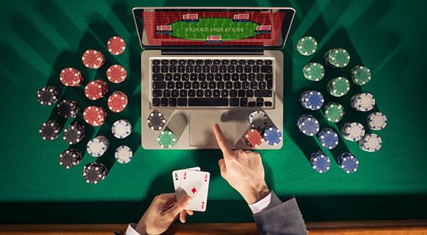 Webポーカーでプレーすることの新しい部分に慣れる
